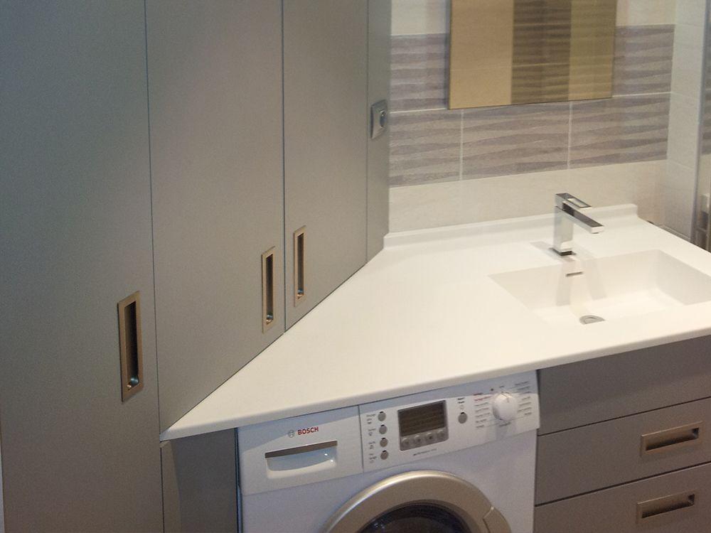 Meubles salle de bain agencement vannes for Porte meuble salle de bain sur mesure